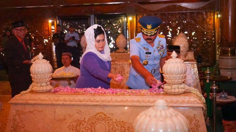 Panglima TNI Ziarah ke Makam Jenderal Besar Soeharto
