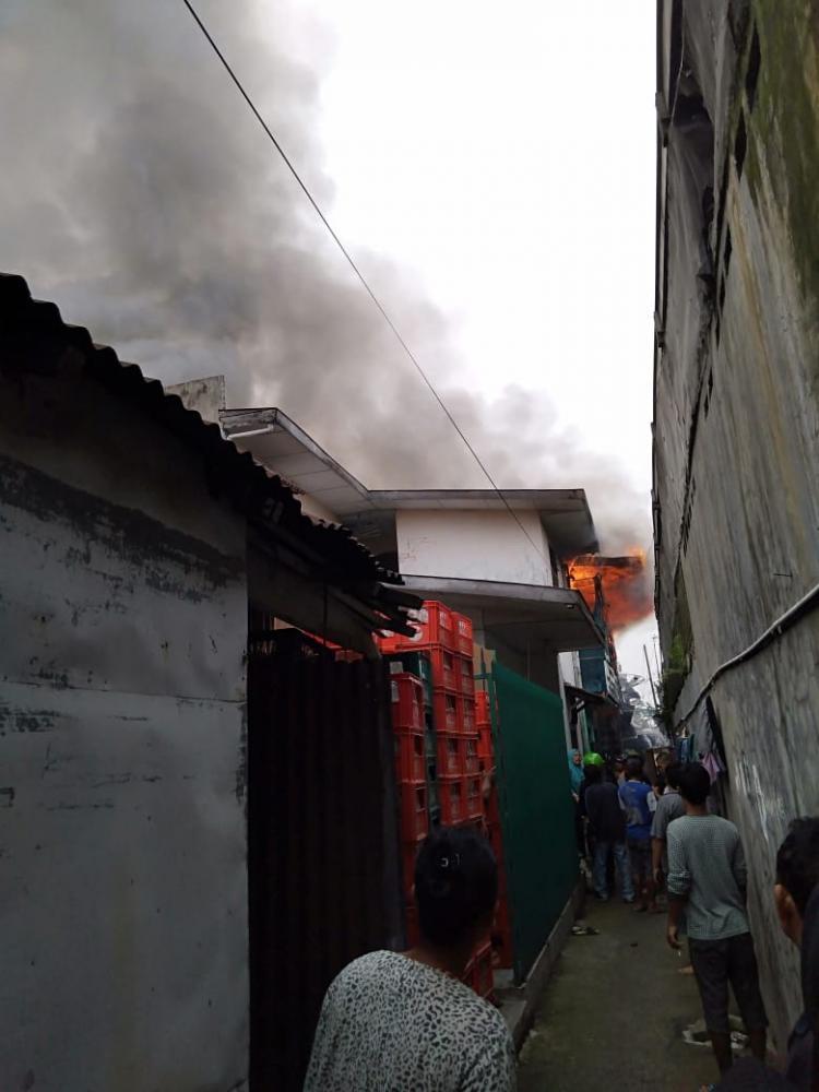 Rumah di Jalan Setia Budi Terbakar, Kerugian Ratusan Juta Rupiah