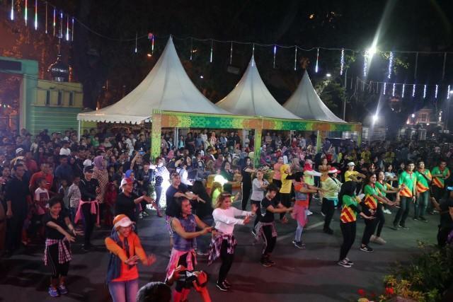 Warga Antusias Saksikan Perhelatan Pesona Colorful Medan