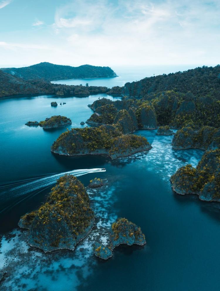 5 Wisata Alam Terbaik yang Wajib Dikunjungi di Indonesia