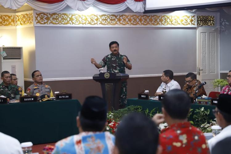 Panglima TNI Pimpin Rakor Penanggulangan dan Pencegahan Karhutla di Riau
