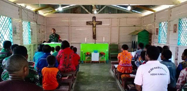 Dansatgas TMMD ke-109 Kodim Boven Digoel Ibadah Bersama Warga Kampung Kakuna