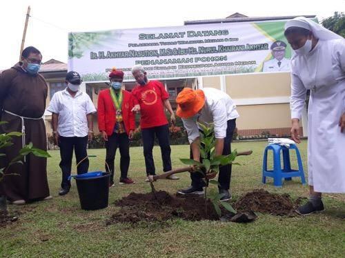 Peringatan Hari Ekologi Keuskupan Agung Medan, Akhyar Nasution Ikut Tanam Pohon