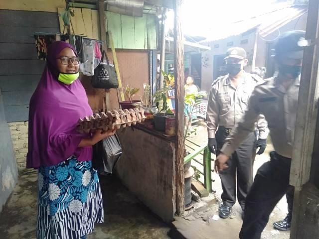 Jumat Berkah, Polsek Medan Timur Kembali Gulirkan Bantuan Sembako untuk Warga Kurang Mampu