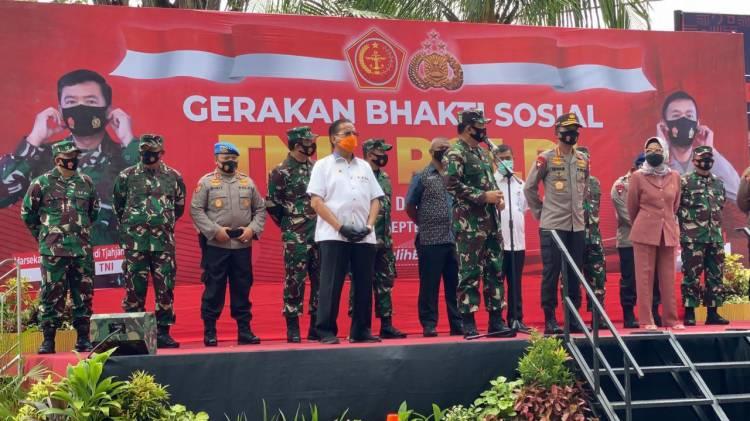Cegah Penyebaran Covid-19, TNI-Polri Gelar Bakti Sosial Peduli Covid-19