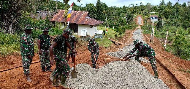 Satgas TMMD 109 Kodim 1711/BVD Mulai Pengerjaan Jalan di Kampung Kakuna