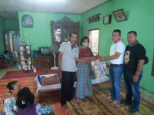 Ketua Pewarta Medan Santuni Keluarga Almarhum Perorismen Situmorang