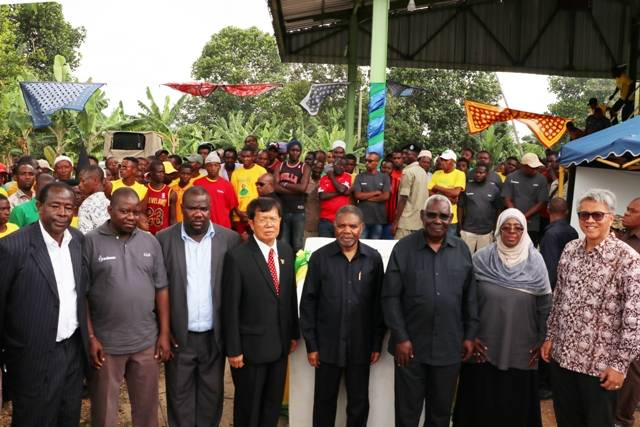 Presiden Zanzibar dan Duta Besar RI di Tanzania Resmikan Fasilitas Distilasi Minyak Daun Cengkeh Indesso