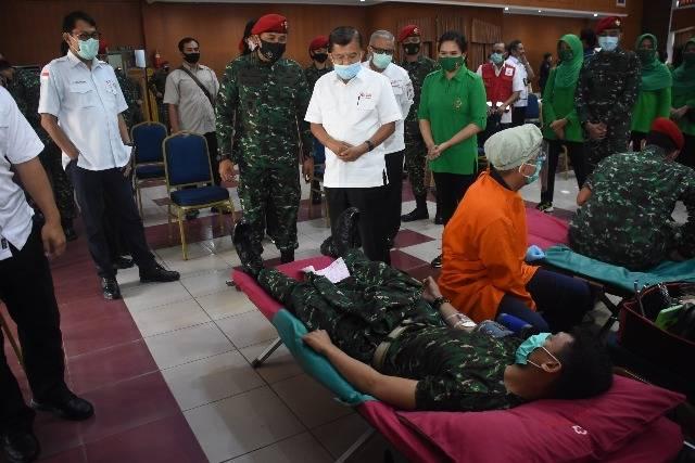 Peringati HUT ke-75 TNI, Kopassus dan PMI Gelar Aksi Donor Darah di Makopassus Cijantung