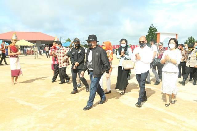Kunker ke Taput, Ketua DPD RI dan Komite Bahas Pendidikan dan Pariwisata Danau Toba