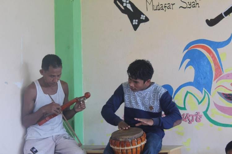 Pertamina dan Dompet Dhuafa Pendidikan Wadahi Potensi Pemuda Sanggar Seni Tomahutu Kelurahan Tubo Lewat Rumah Pintar & Heritage
