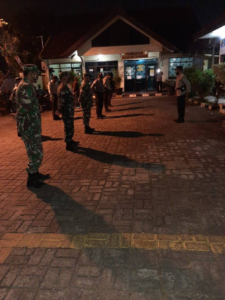 Sinergitas TNI - Polri  Sub Kogartap 0508/Depok melaksanakan Patroli bersama