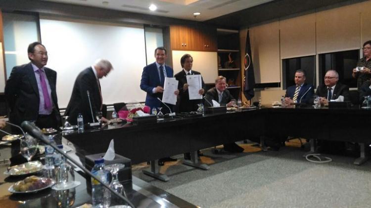 Hamdhani dan Michael Gunner Inisiasi Sister City Darwin-Kalteng