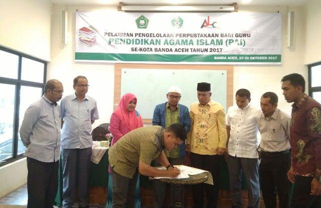 FAH UIN Ar-Raniry dan Kemenag Jalin Kerjasama Pelatihan dan Pendampingan Perpustakaan