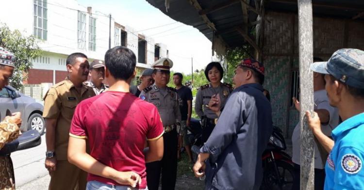 Dampak Banjir, Warga Batang Kuis Protes Infrastruktur Jalan yang Buruk