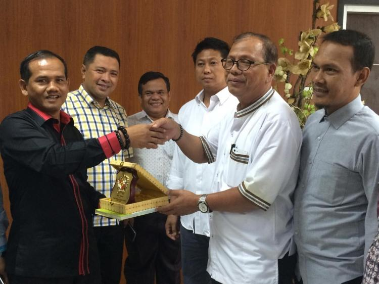 DPRD Pelalawan Mau Adopsi Perda Pengawasan Jaminan Produk Halal dan Higienis