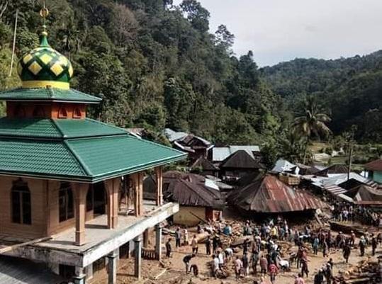 Korban Banjir Bandang di Mandailing Natal Bertambah Jadi 17 Orang