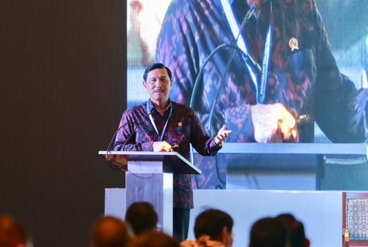 Menko Luhut Banggakan Pembangunan Indonesia kepada Investor Asing