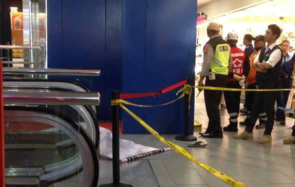 Pengunjung Thamrin Plaza Bunuh Diri dengan Melompat dari Lantai Lima