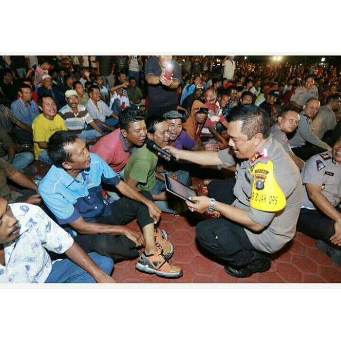 Kapoldasu Jalin Silaturahmi dengan Pengemudi Angkot, Jaga Kamtibmas Sumut