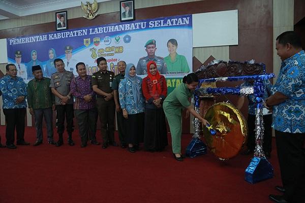 Bupati Labusel Resmikan Bulan Bhakti Sosial TNI KKBPK Kesehatan