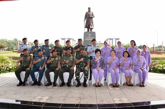 Monumen Jenderal Soedirman Diresmikan Panglima TNI di Mabes Cilangkap