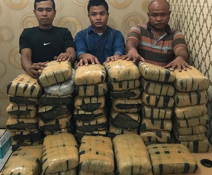 Bawa 80 Kg Ganja, Tiga Pria Diamankan Poldasu dari Kawasan Jamin Ginting, Satu Pelaku Residivis GAM