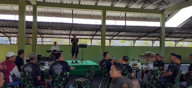 HUT TNI, Korem Bhaskara Jaya Potong Tumpeng