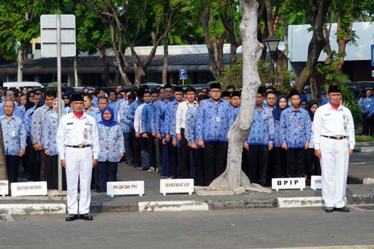 Pejabat dan Pegawai Lembaga Kepresidenan Ikuti Upacara Peringatan Hari Sumpah Pemuda