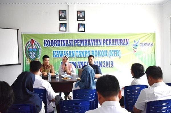 Dinkes Provsu Gelar Pertemuan Koordinasi Pembuatan Peraturan KTR di Kabupaten Tapteng