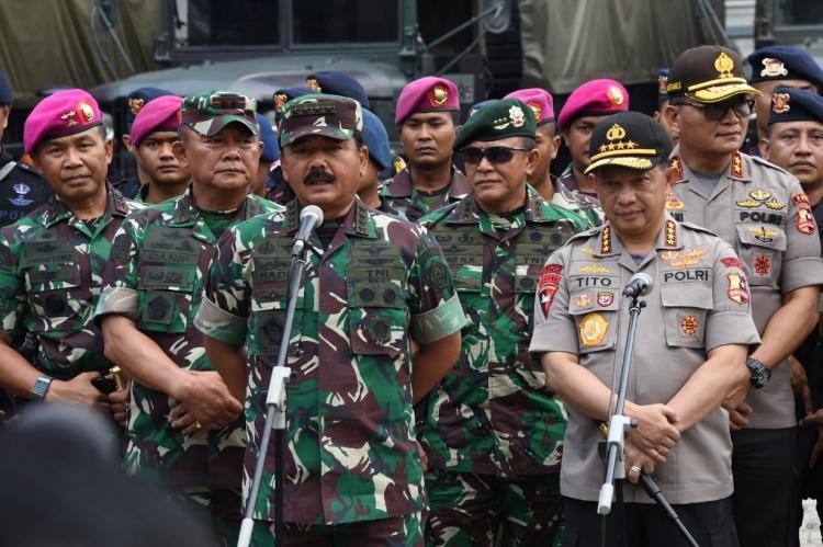 Panglima TNI Bersama Kapolri Tinjau Pengamanan Jelang Pelantikan Presiden dan Wapres RI