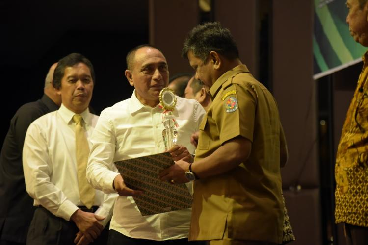 Deli Serdang Dapat Penghargaan TPID Kategori Teladan Tingkat Provinsi Sumut