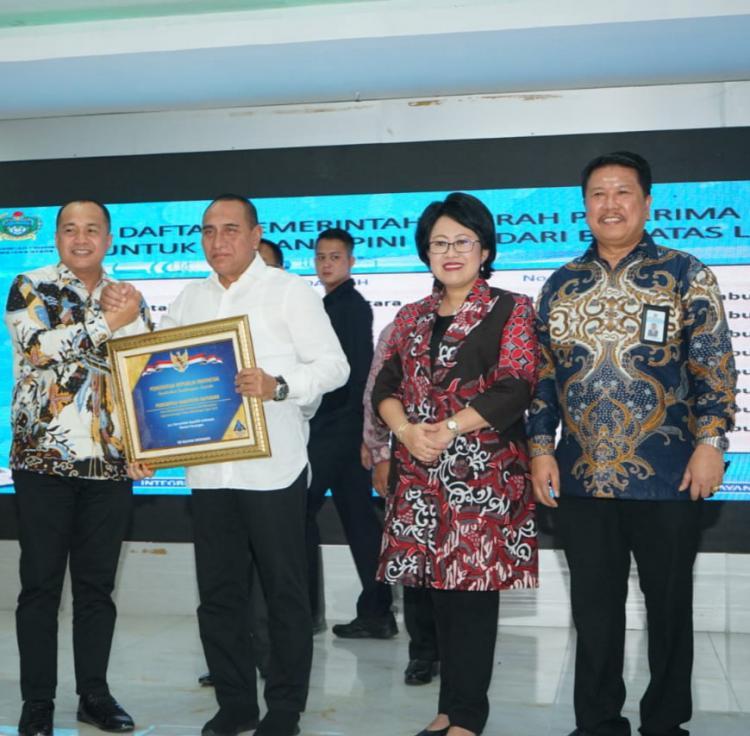 Bupati Batubara Terima Penghargaan dari Ka Kanwil DJPN Sumut, Zahir: Penghargaan Kerja Keras OPD