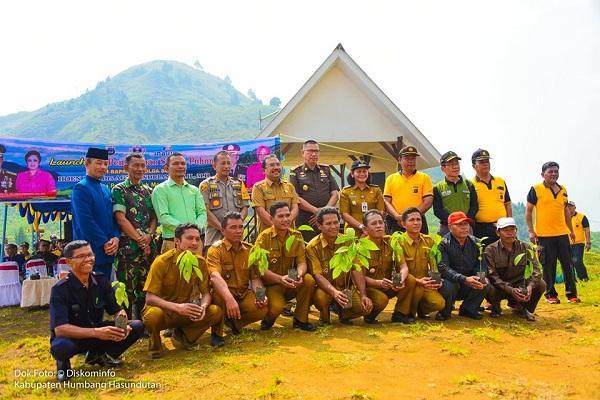 Lakukan Penghijauan, Pohon Petai Hingga Jengkol Ditanam di Wilayah Kabupaten Humbahas
