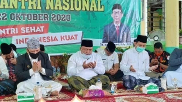 Peringati HSN Bupati Langkat Berangkatkan Haji 1 Guru dan Umrohkan 6 Santri Ponpes