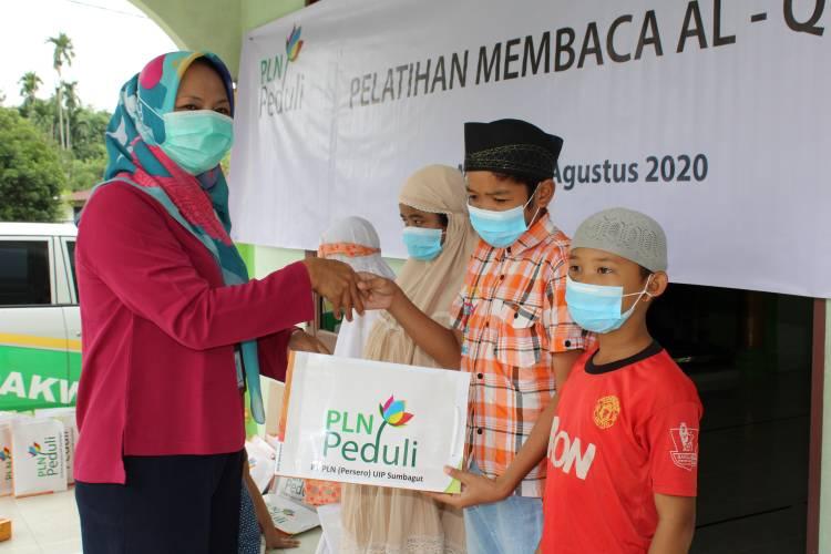BMH Bersama PT PLN UIP Sumbagut Santuni Santri Quran Pancur Batu