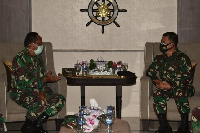 Pangkoarmada II Laksanakan Courtesy Call ke Komandan Kodiklatal