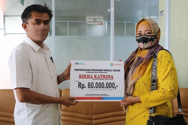 Pelindo 1 Tanjungpinang Salurkan Pinjaman Modal Usaha untuk Pelaku UMKM Total Rp 275 Juta