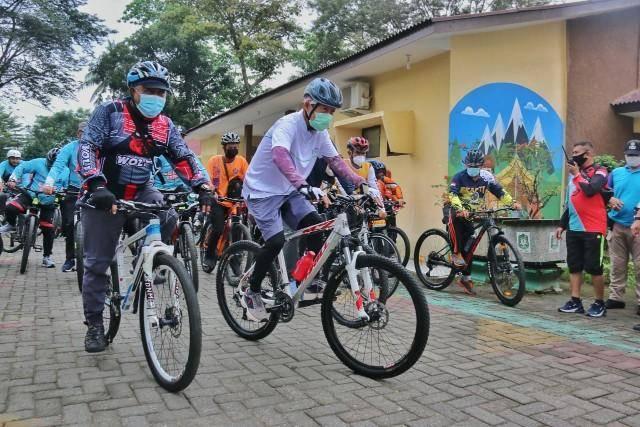 Pjs Wali Kota Medan Arief Sudarto Gowes Bersama OPD Pemko Medan