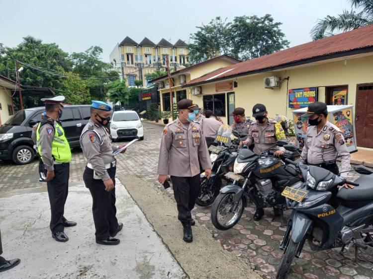Polsek Medan Helvetia Cek Kesiapan Personil dan Perlengkapan Dinas