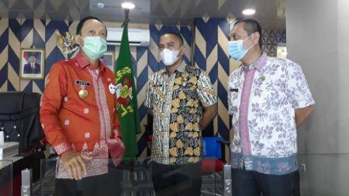 Melalui Command Center, Pjs Wali Kota Cek Data Covid-19 di Kota Medan