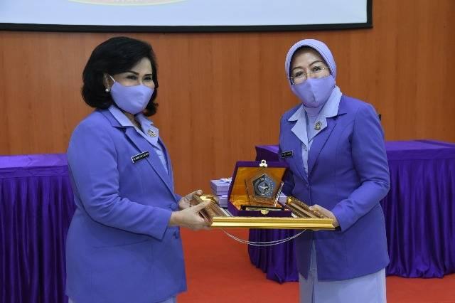 Ny Nanny Hadi Tjahjanto Pimpin Sertijab Ketua IKKT PWA Gabungan I Staf Umum TNI