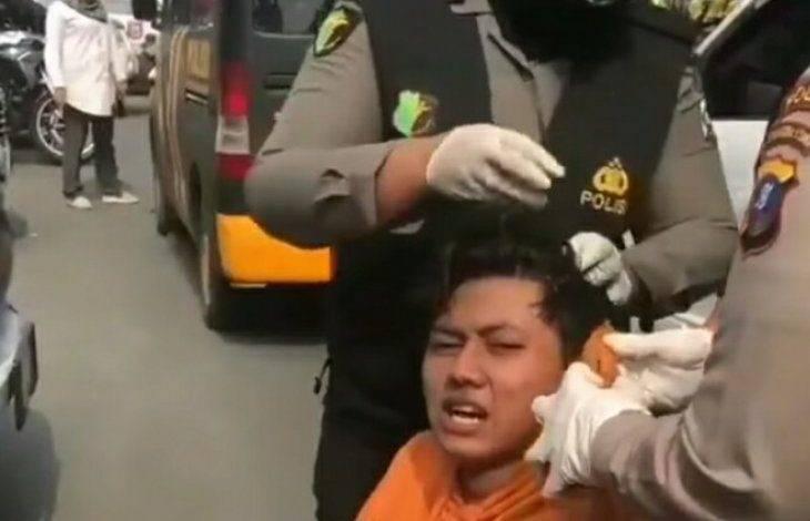 Tenaga Medis Polda Sumut Obati Pengunjuk Rasa Terluka saat Demo di Gedung DPRD Sumut