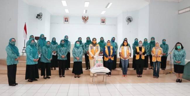 12 Kecamatan Di Deli Serdang Dapat Bantuan dari Lions Club Medan Seruni