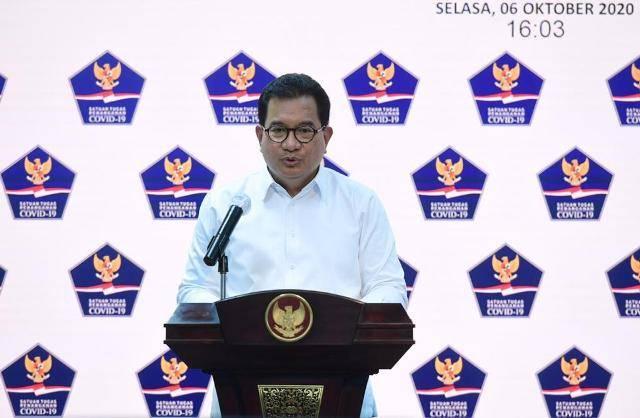 Aksi Unjuk Rasa Tolak Omnibus Law, Prof Wiku: Jangan Sampai Jadi Klaster Baru Covid-19