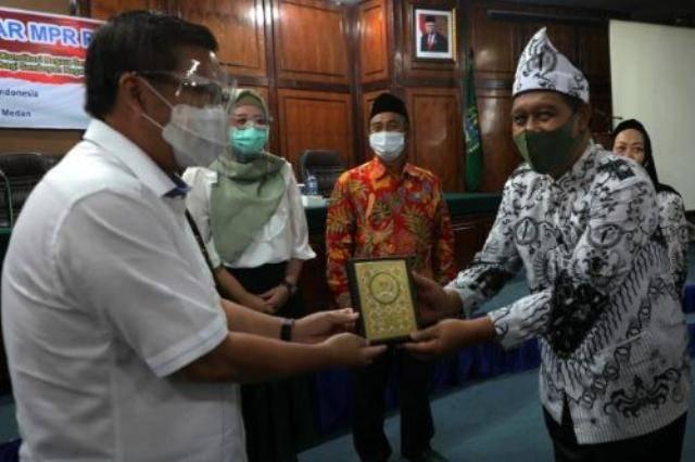 Sosialisasi Empat Pilar MPR RI dan PGRI Kota Medan, Ini Kata Asmum Pemko Medan