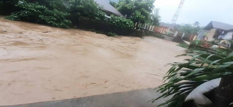 Banjir dan Tanah Longsor Rusak Rumah Warga Kota Ambon