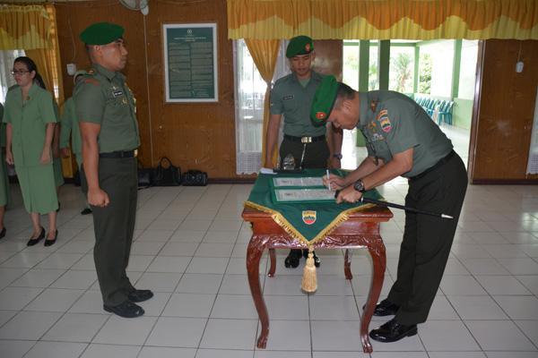 Acara Korps Raport Pindah Satuan Kasi Ops Rem 022/Pantai Timur