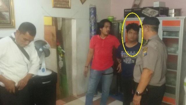 Asyik Menggoreng Sabu, Pasangan Ini Digrebek Polisi