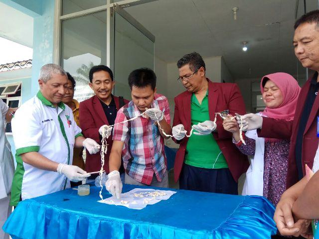 FK UISU Temukan Cacing Pita Sepanjang 10,5 Meter dari Tubuh Warga Simalungun